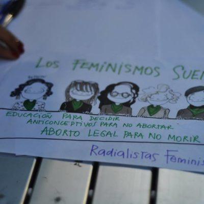 Mujeres de radio por el aborto legal